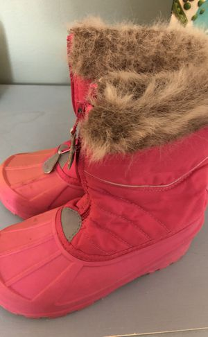Girl's snow boots size 1 for Sale in Rockville, MD
