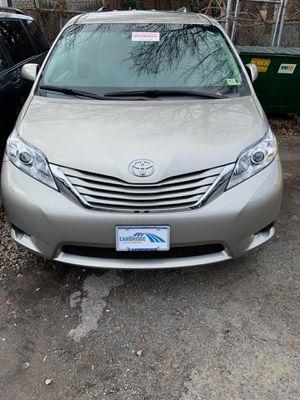 2015 Toyota Sienna LE for Sale in Arlington, VA