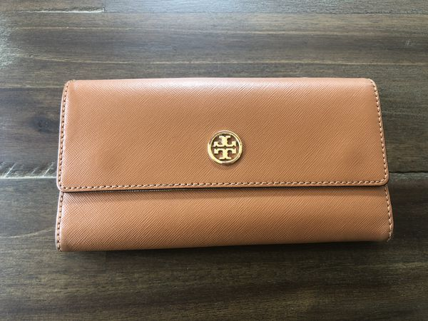e36c422eca5 Authentic Tory Burch Wallet for Sale in Mission Viejo