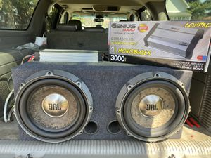 Photo Insane setup 2 13.5JbL Subs in ported box and 3K genius amp like new