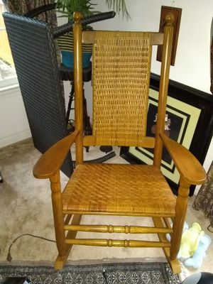 Excellent condition rocking chair for Sale in Franconia, VA