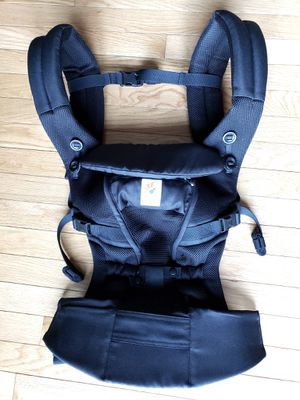 Like NEW Ergobaby Carrier for Sale in Annandale, VA