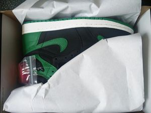 Photo Jordan 1 Retro High OG Pine Green 555088-030 Size 8