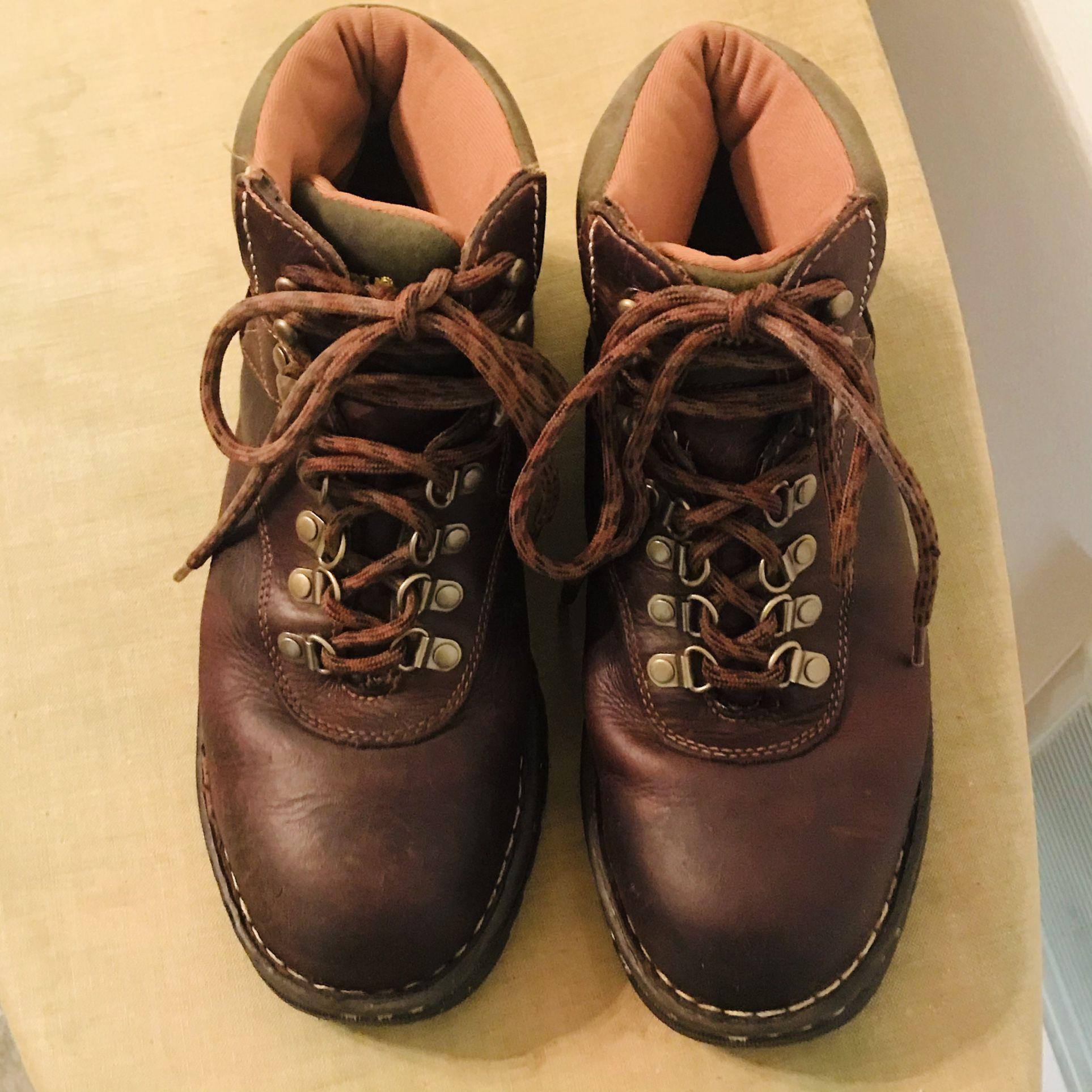 Ladies CAROLINA Steel Toe Lace-up Boots