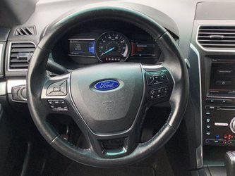2016 Ford Explorer Thumbnail