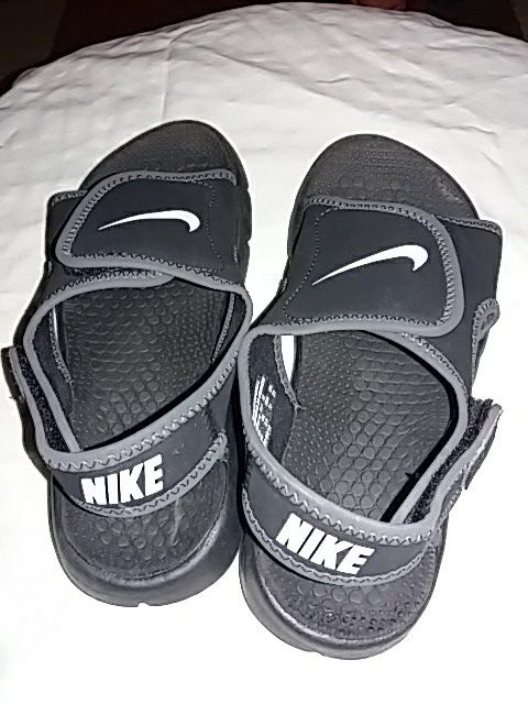 5ec3a23a8815 Boys size 3y Nike sandals (Baby   Kids) in Winchester