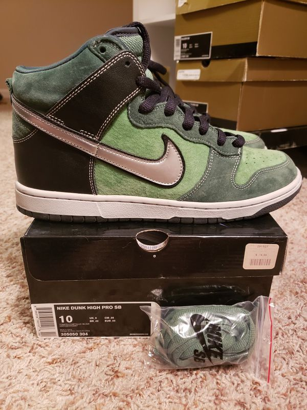 competitive price 03be5 0d741 Nike SB Dunk High Pro SB size 10 Brut for Sale in Moreno Valley, CA -  OfferUp