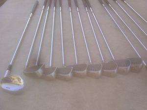 Been Hogan golf bag n clubs for Sale in Coarsegold, CA