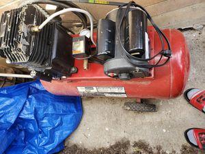 Photo Air compressor craftsman 2hp
