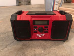 Photo Milwaukee m18 jobsite radio