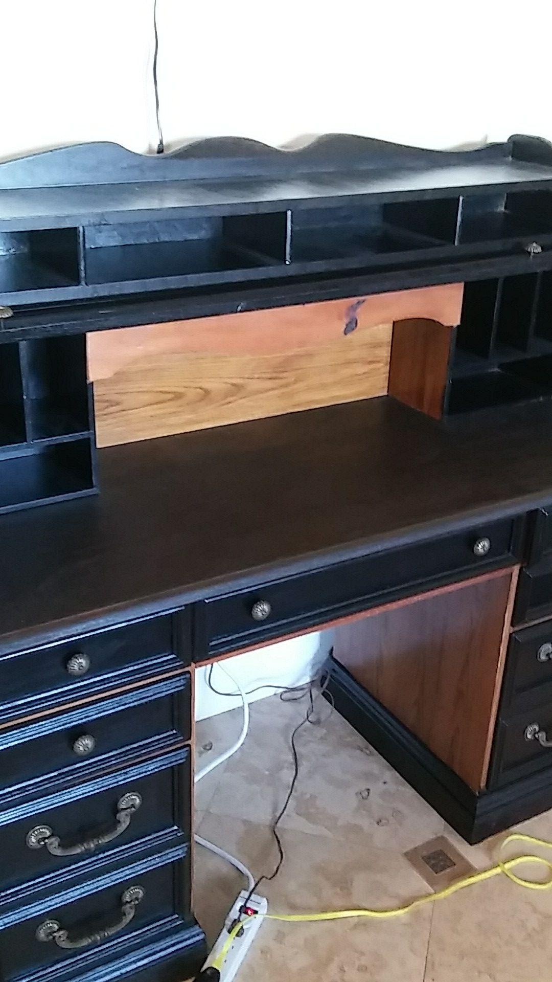 Black roll top oak desk with lamp