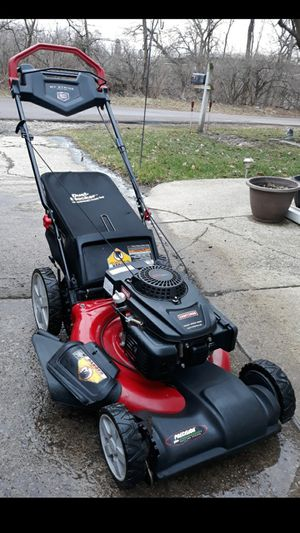Photo Craftsman 21 Inch Self Propelled Lawnmower W/Bag And Pace Control System
