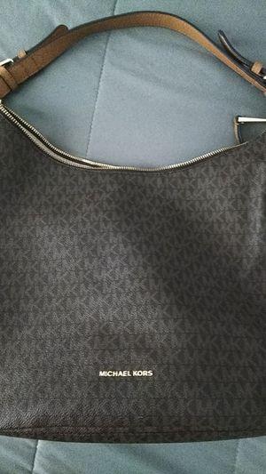 Michael kors shoulder bag for Sale in Henderson, NV