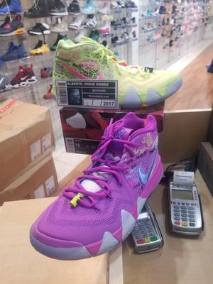 Nike Air Kyrie 4 Confetti Size 12 for Sale in Kensington, MD