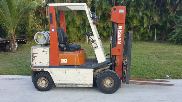 NISSAN FORKLIFT 5000 LBS PNEUMATIC TIRES for Sale in West Palm Beach, FL -  OfferUp