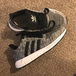 Adidas Sneakers Thumbnail