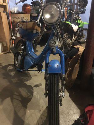 Photo 1982 Suzuki moped