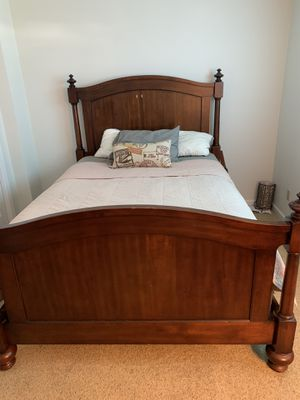 New and Used Bedroom set for Sale in Suffolk, VA - OfferUp