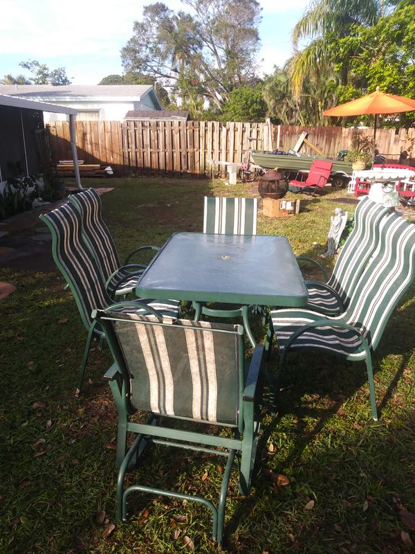 In Door Or Outdoor Patio Furniture White Amp Green For Sale