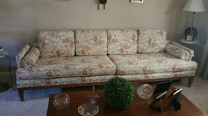 Vintage Living Room Sofa Couch for Sale in Greenbelt, MD