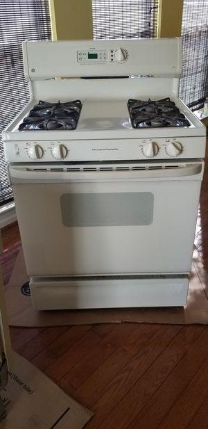 GE Gas oven range for Sale in Dumfries, VA