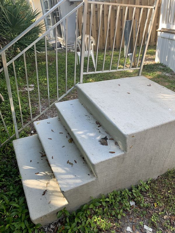 Trailer mobile home steps fiberglass need repair for Sale in Jensen Beach,  FL - OfferUp
