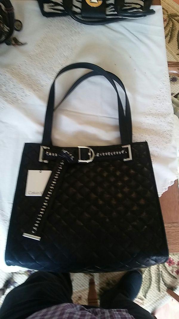 b15734fd5f4 Calvin Klein purse/bag/tote for Sale in Olympia, WA - OfferUp