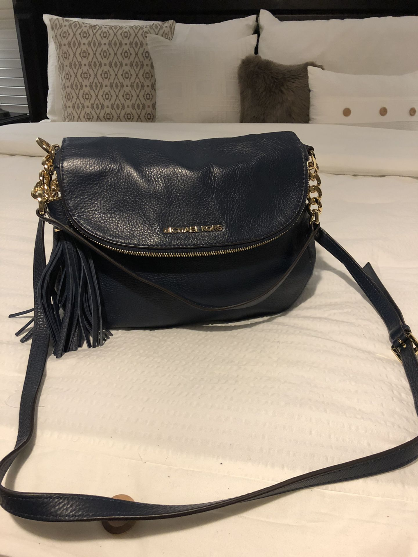 Brand New Michael Kors bag in NAVY BLUE