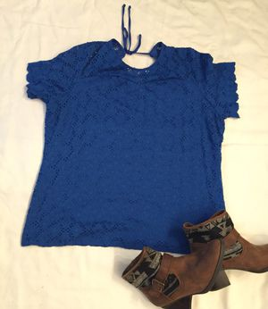 WOMEN'S TOP (L) D for Sale in Moreno Valley, CA