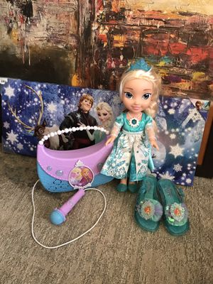 Snow Glow Elsa Doll/Boombox MP3/shoes/wall art canvas for Sale in Falls Church, VA