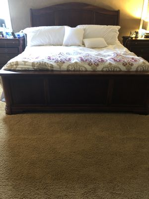 King Size Slate Bedroom Set for Sale in Ashburn, VA