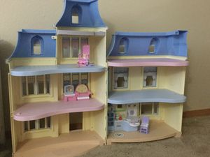 Children's Doll House for Sale in Puyallup, WA