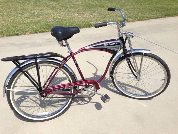 a2fb527b17c 1995 100th Anniversary Schwinn Cruiser Deluxe Bicycle for Sale in  Statesville, NC - OfferUp