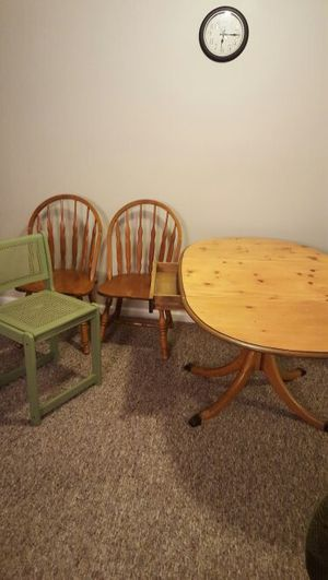 Table and chair's for Sale in Detroit, MI