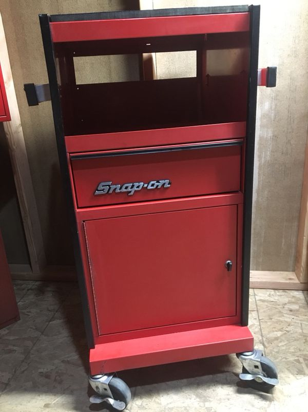 Snap On Roll Around Electronics Cabinet For Sale In