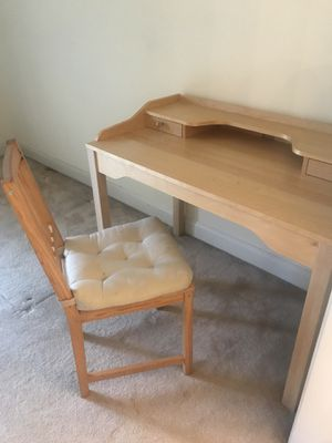 Desk + chair for Sale in Bethesda, MD
