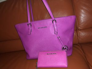 d3439af3cf13de Michael Kors tote & wallet for Sale in Mineral Wells, ...