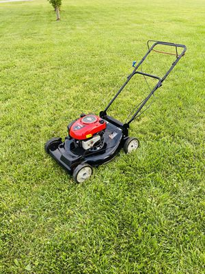 Photo Craftsman Self Propelled 22' Push Lawn Mower