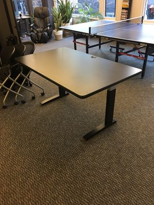 """Height adjustable desk 58""""x35"""" for Sale in Chicago, IL"""