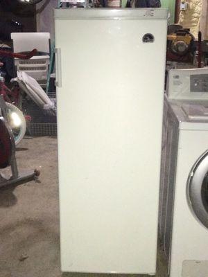 Igoo refrigerator for Sale in Germantown, MD