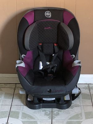Photo PRACTICALLY NEW EVENFLO CONVERTIBLE CAR SEAT