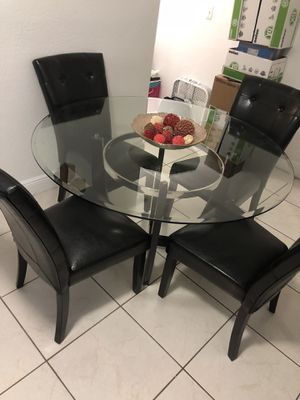 5 chair dining room set for Sale in Coral Gables, FL