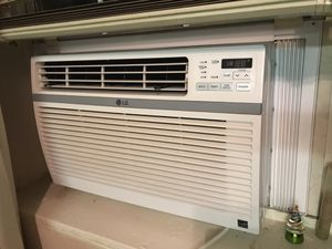 LG window air conditioner for Sale in Washington, DC