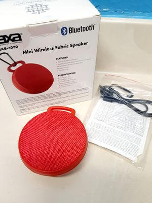 Photo New Red Mini Clip On Bluetooth Speaker Rechargeable Portable