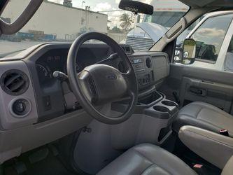 2009 Ford E250 Gargo Van Thumbnail