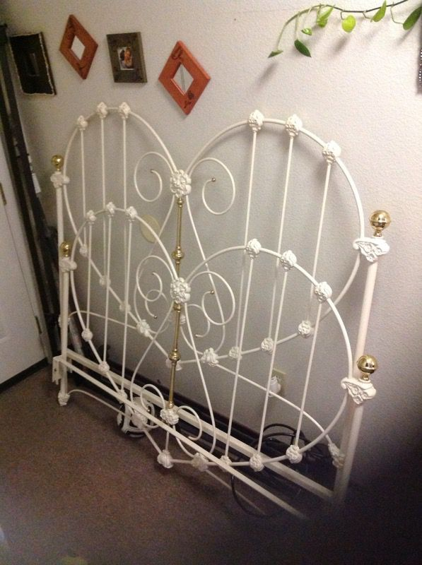 Queen Bed Heart Shaped Wrought Iron Elliot S Design For Sale In Santa Clara Ca Offerup