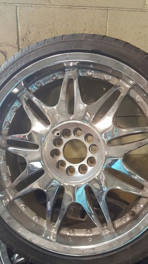 20 in wheels 5 lug Universal for Sale in Nashville, TN