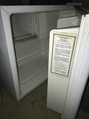 Mini fridge for Sale in West Friendship, MD