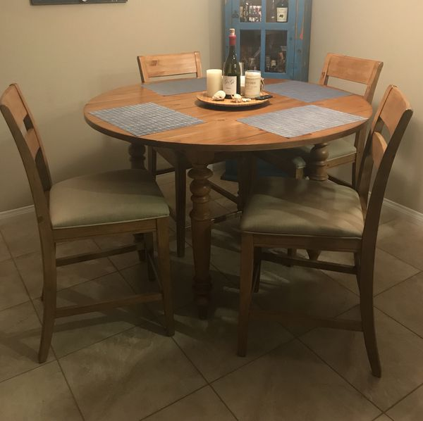 Round Table Aliso Viejo.Dining Table With Drop Leaf Option And 4 Chairs For Sale In Aliso Viejo Ca Offerup