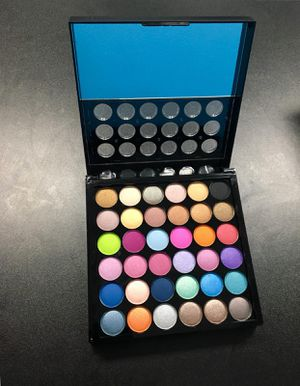 Make up kit for Sale in Los Angeles, CA